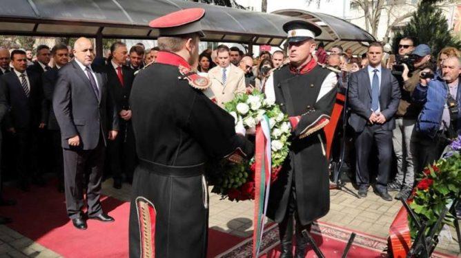 Премьеры Болгарии и Македонии в Скопье почтили память жертв Холокоста