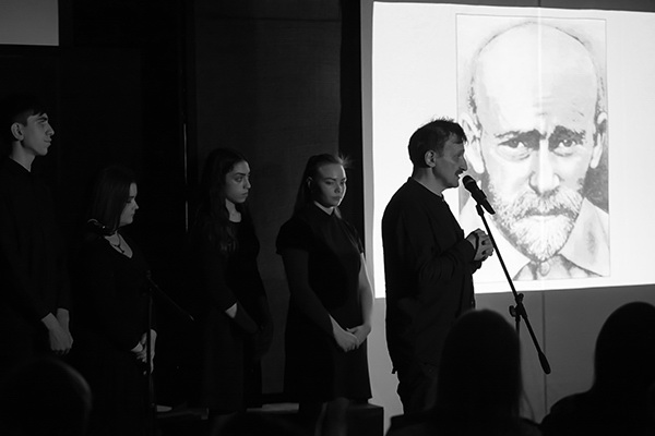 В московских школах состоялись премьерные показы урока-спектакля «Право на жизнь»