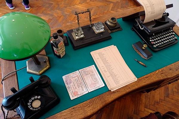 Сын японского Праведника народов мира находит поддельные визы в литовском архиве