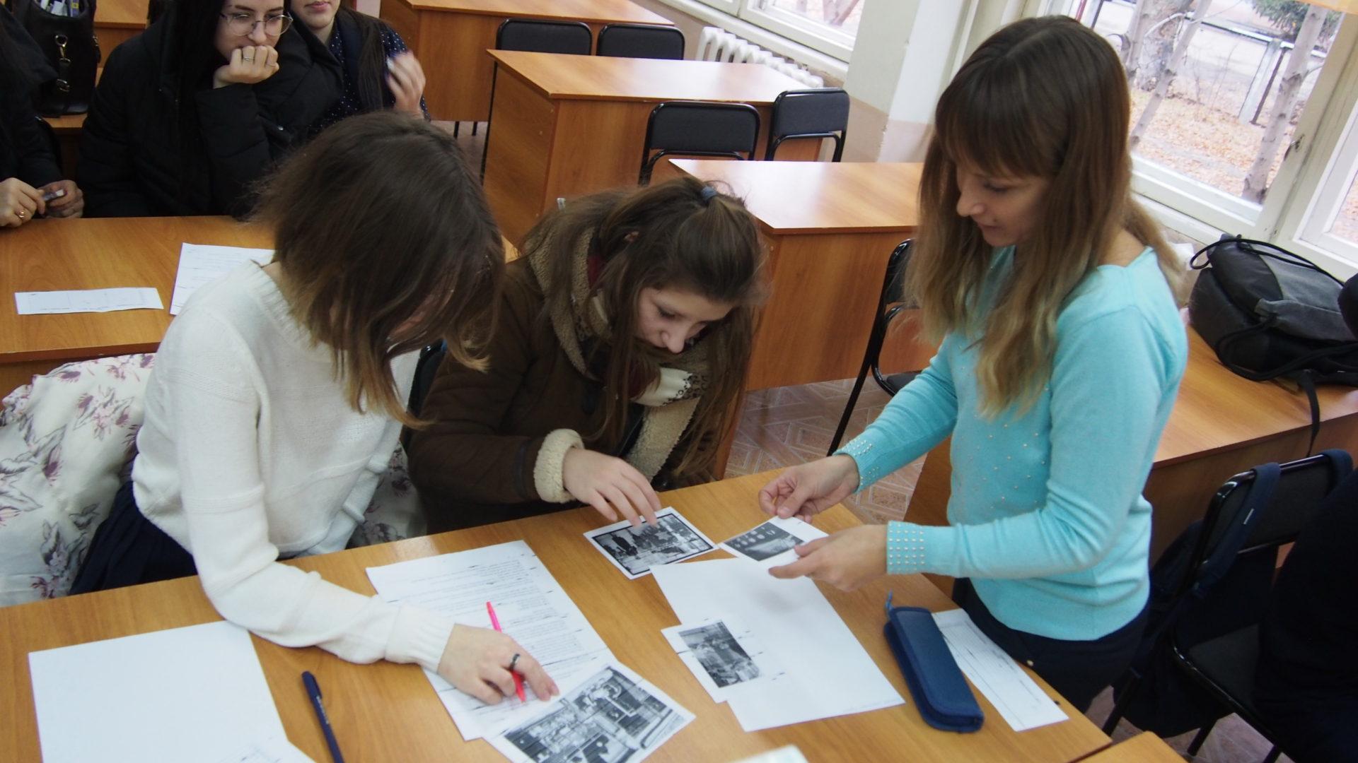 Учащиеся Саратовской области вспомнили события «Хрустальной ночи»