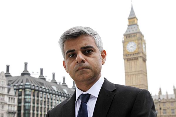 Мэр Лондона выражает почтение евреям, убитым во время Холокоста