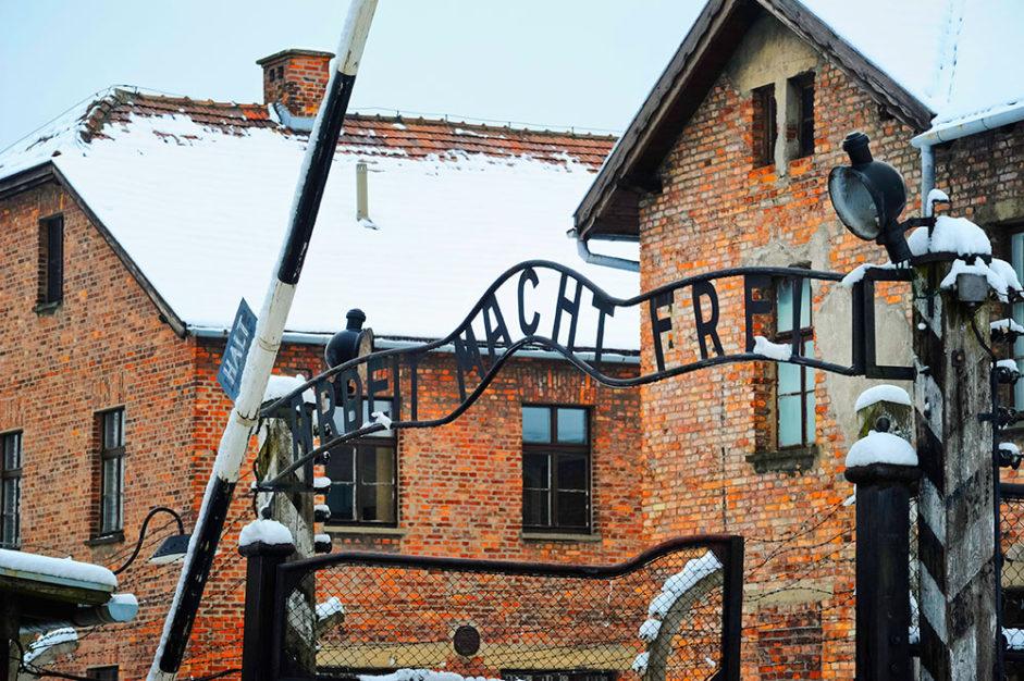 Голландская железнодорожная компания заплатит семьям жертв Холокоста