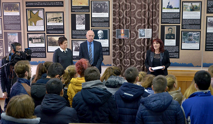 Открытие выставок в Казахстане и Молдове. Экспонирование в разных странах