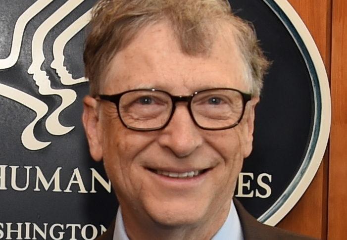 Билл Гейтс написал рецензию на книгу о Холокосте