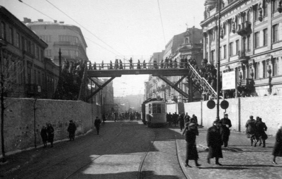 Как была предотвращена эпидемия тифа в Варшавском гетто