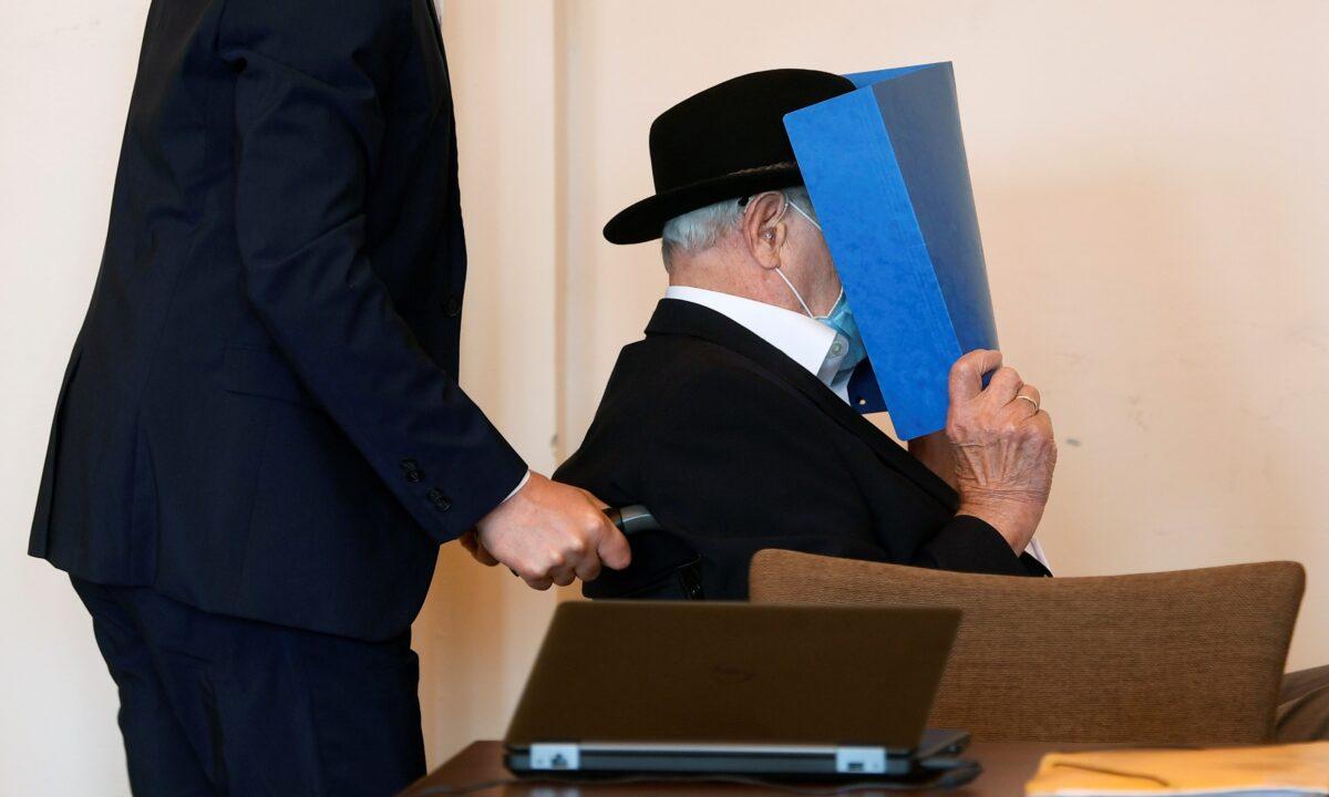 В Германии 93-летний экс-надзиратель концлагеря получил условный срок
