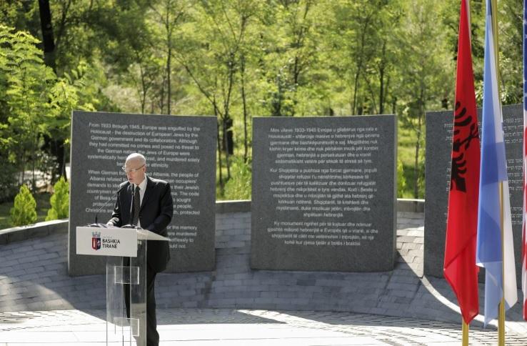 В Албании открыт мемориал Холокоста